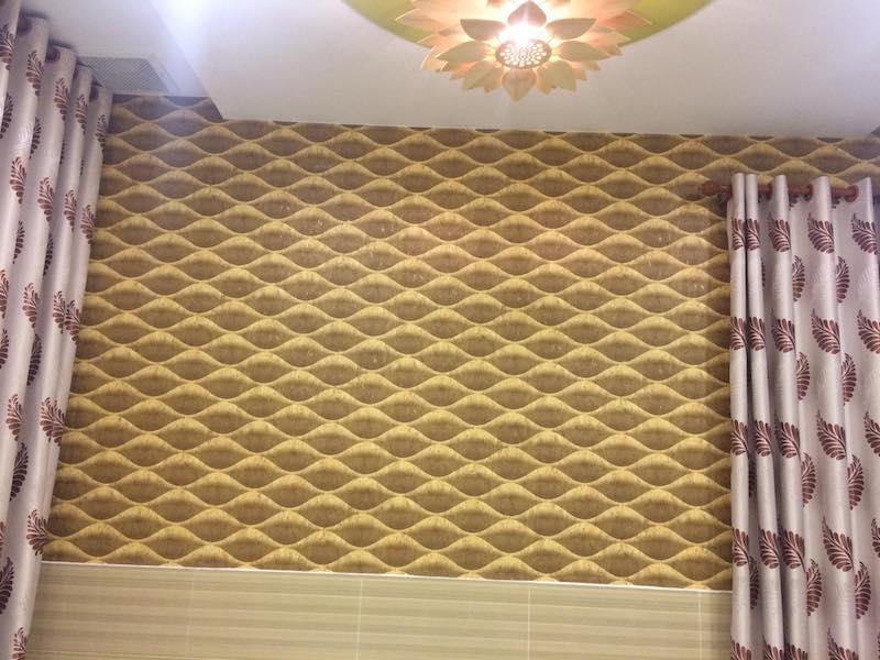 Giấy dán tường phòng ngủ màu vàng