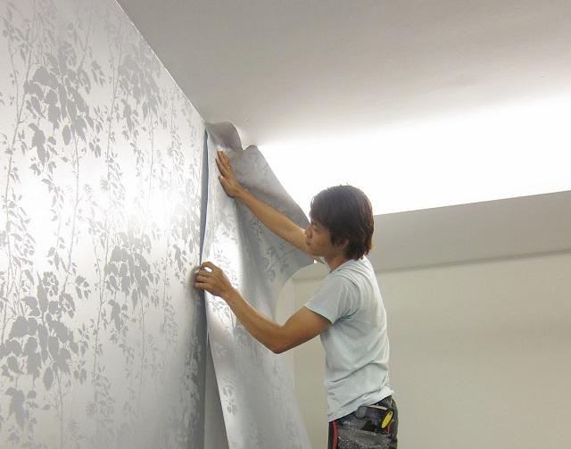 Thi công giấy dán tường Hàn Quốc dễ dàng, nhanh chóng
